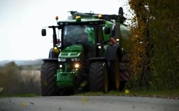 Tracteur 8R 2014